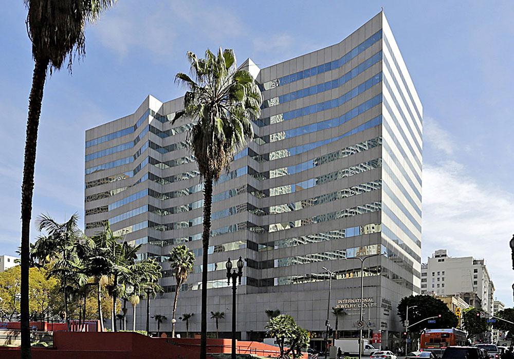 活動拠点のアメリカロサンゼルス